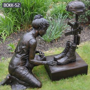 Outdoor Kneeling Soldier Military Bronze Statue Memorial BOKK-52