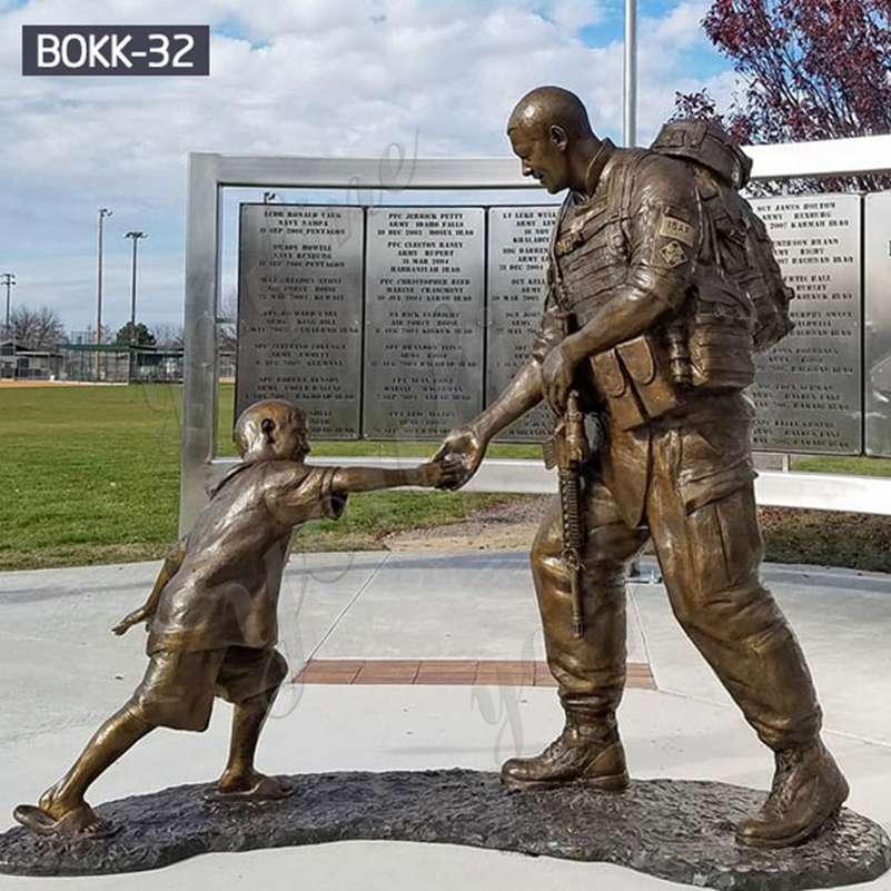 Custom Made Bronze Soldier Statue with Children Supplier
